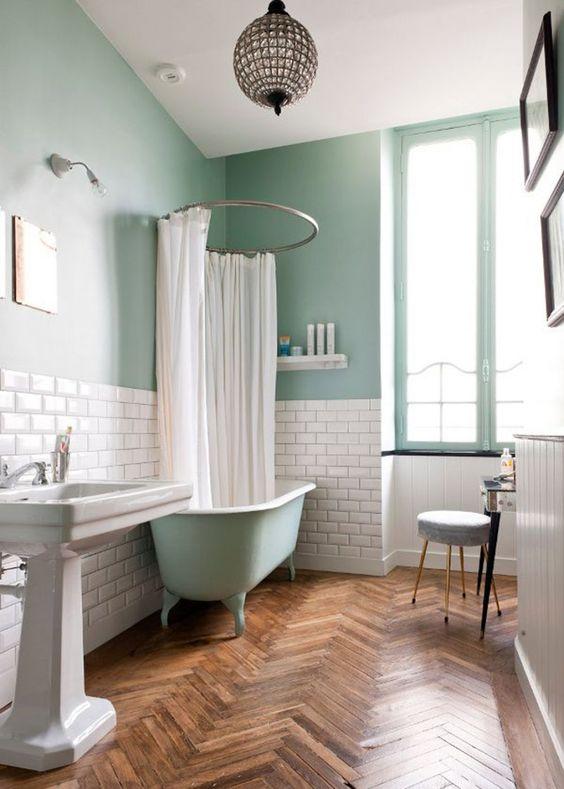Et si on parlait salle de bain tribulations d 39 ana s for Peindre une baignoire